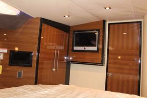 40' Marquis 40 SC 2008 Master Stateroom Storage