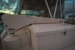 56' Carver Voyager Sky Lounge 2006 Bridge, Davit and  Dock Box for extra storage