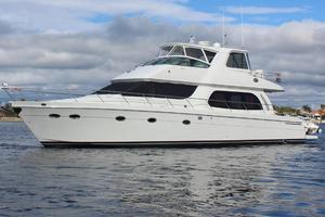 56' Carver Voyager Sky Lounge 2006 Port View