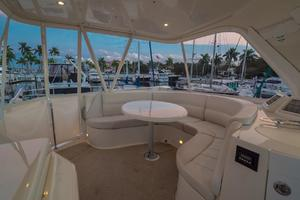 56' Carver Voyager Sky Lounge 2006 Fly Bridge, CLEAR Isinglass Enclosure