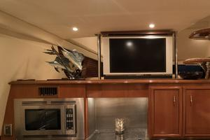 56' Carver Voyager Sky Lounge 2006 Galley