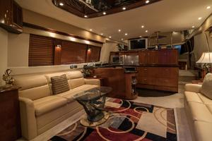56' Carver Voyager Sky Lounge 2006 Upgraded Yacht Salon
