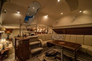 56' Carver Voyager Sky Lounge 2006 Open Layout