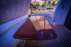 56' Carver Voyager Sky Lounge 2006 High Gloss Yacht Table