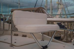 56' Carver Voyager Sky Lounge 2006 Aft Deck Fold Up Extra Bridge Seating
