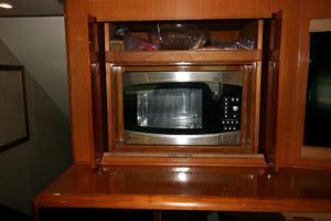 50' Viking Custom 50 Convertible w/Tower 1997 Microwave
