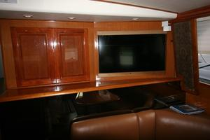50' Viking Custom 50 Convertible w/Tower 1997 TV