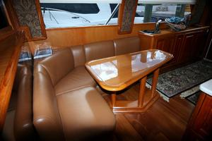 50' Viking Custom 50 Convertible w/Tower 1997 Dinette