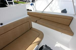 50' Viking Custom 50 Convertible w/Tower 1997 Flybridge Seating