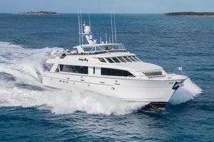 100' Hatteras 100 Motor Yacht 2001 Running Starboard Side