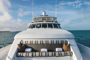 100' Hatteras 100 Motor Yacht 2001 Foredeck