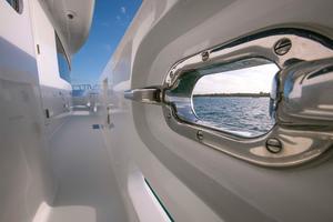 100' Hatteras 100 Motor Yacht 2001 Chock