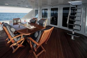 100' Hatteras 100 Motor Yacht 2001 Aft Deck
