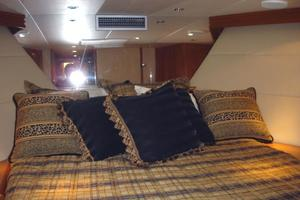 50' Hatteras 50 Convertible SF 2001 VIP Stateroom