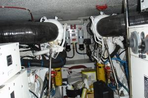 50' Hatteras 50 Convertible Sf 2001 Engines