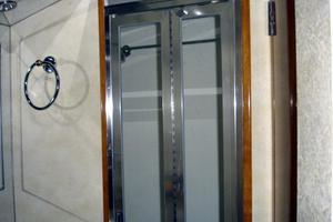 50' Hatteras 50 Convertible Sf 2001 Shower