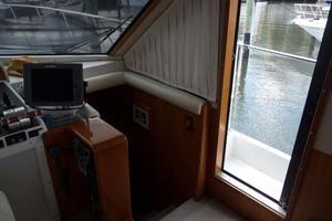 50' Navigator 5000 Classic 1998 Salon Forward