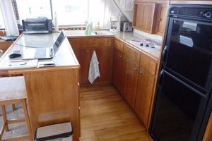 50' Navigator 5000 Classic 1998 Galley