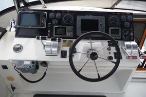 50' Navigator 5000 Classic 1998 Bridge Helm