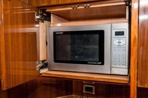 Viking-52-Open-2007-Galliot-Jupiter-Florida-United-States-Microwave-919840