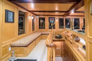 79' AC Mcleod Custom Sternwheeler House Barge 1982 Main Deck Sitting Area