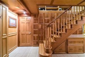 AC-Mcleod-Custom-Sternwheeler-House-Barge-1982-Elena-Queen-of-Arts-Haverstraw-New-York-United-States-Foyer-929675