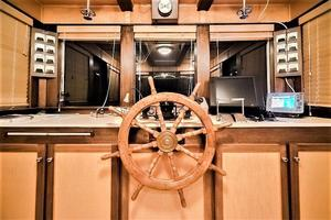 79' AC Mcleod Custom Sternwheeler House Barge 1982 Wheelhouse