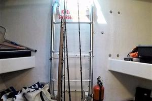 50' Custom Carman 50 Seaflex Walkaround 2001 Escape Ladder