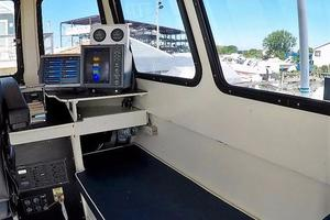 50' Custom Carman 50 Seaflex Walkaround 2001 Flybridge Electronics