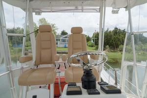 37' Ocean Yachts 37 Billfish 2009 Upper Helm Seats