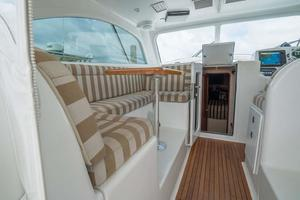 37' Ocean Yachts 37 Billfish 2009 Lower Helm Deck