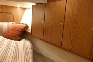 46' Ocean Yachts 46 Super Sport 2007 Guest Stateroom Cabinets