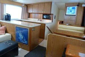 46' Ocean Yachts 46 Super Sport 2007 Salon Forward