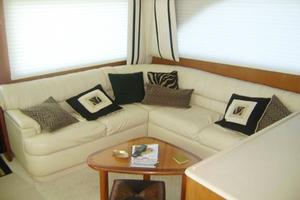 55' Viking 55 Convertible 1998 Salon Settee