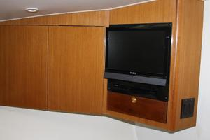 55' Viking 55 Convertible 1998 VIP TV