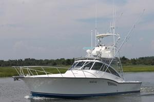 41' Albemarle Express 2002 Port Bow