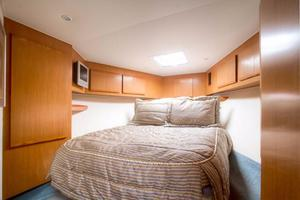 42' Post Convertible 2006 Master Berth