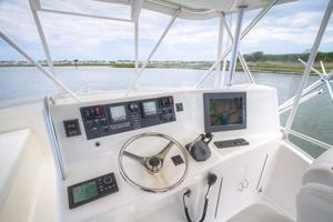 42' Post Convertible 2006 Helm