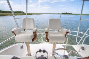 42' Post Convertible 2006 Helm Seats