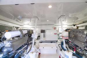 42' Post Convertible 2006 Engine Room