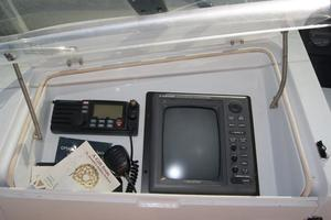 52' Hatteras 52 Cockpit My 1999