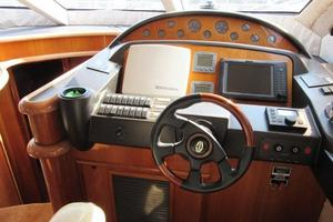 64' Sunseeker Manhattan 64 2003 Lower Helm