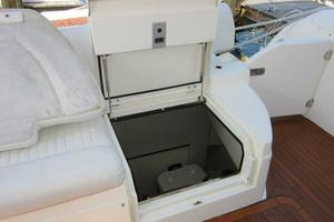 64' Sunseeker Manhattan 64 2003 Crew Access