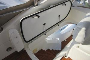 64' Sunseeker Manhattan 64 2003 F/B Stair Hatch