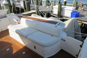 64' Sunseeker Manhattan 64 2003 Cockpit Seating
