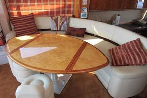 64' Sunseeker Manhattan 64 2003 Dinette