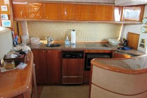 64' Sunseeker Manhattan 64 2003 Galley