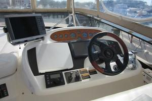 64' Sunseeker Manhattan 64 2003 F/B Helm