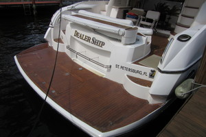 64' Sunseeker Manhattan 64 2003 Swim Platform