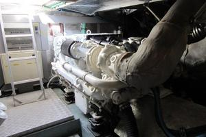 64' Sunseeker Manhattan 64 2003 Port Engine